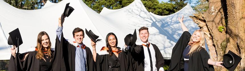 b-graduation-alumni-rs